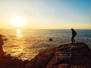 海,夕日,人物,未来,ポジティブ,島根,目標,ゴール,前向き,可能性
