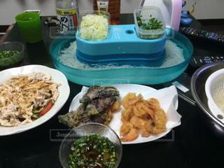 暑い夜の晩御飯の写真・画像素材[779052]