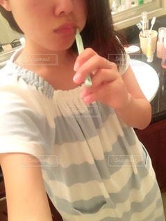 歯を磨く女性 - No.791428