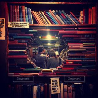 本棚は本でいっぱいの写真・画像素材[793681]