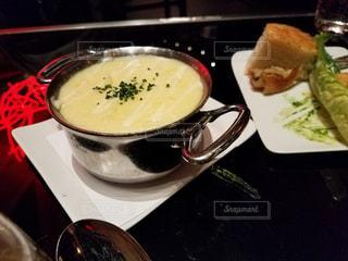 おしゃれなお皿とポタージュスープ - No.923720