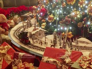 クリスマス ツリーとデコレーションの写真・画像素材[937125]