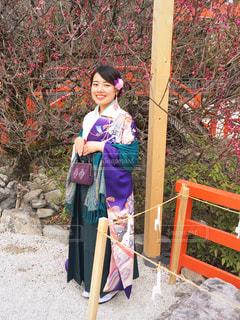 梅と袴と、はにかむ女の子 - No.1133984