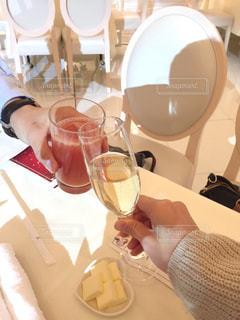 飲み物,ディナー,人物,イベント,夫婦,グラス,記念日,乾杯,ドリンク,パーティー,手元