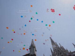 風船に願いを込めて…の写真・画像素材[808064]
