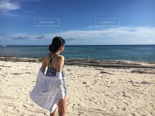沖縄のビーチで開放的に - No.792567