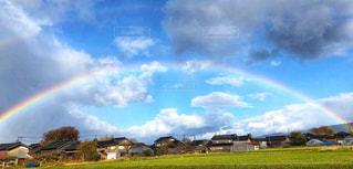青空にかかる虹の写真・画像素材[1863629]