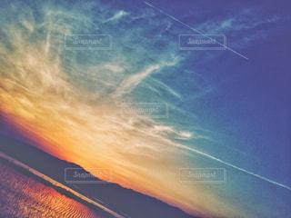 夕暮れ時の空の写真・画像素材[1863657]