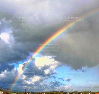 大きな虹の写真・画像素材[2507779]