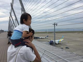親子,飛行機,子供,肩車,空港,父