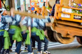 通りを歩く人々 のグループの写真・画像素材[812050]