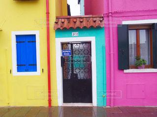 イタリア ブラーノ島のカラフルな家々の写真・画像素材[800943]
