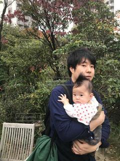 男性,家族,20代,30代,緑,男,赤ちゃん,抱っこ,広島,1歳,あかちゃん,20代後半