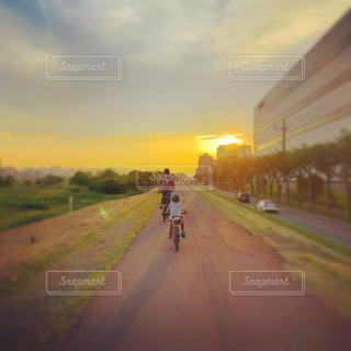 夕日,自転車,親子,夕焼け,帰り道