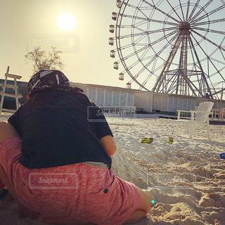 傘を持っている人の写真・画像素材[1269424]