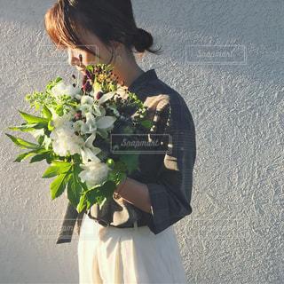 花と私の写真・画像素材[918775]