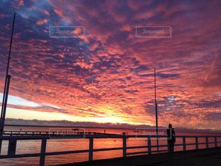 桟橋からの夕焼けの写真・画像素材[856597]