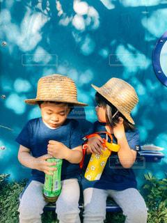 青い壁が可愛い公園でしたの写真・画像素材[3500230]