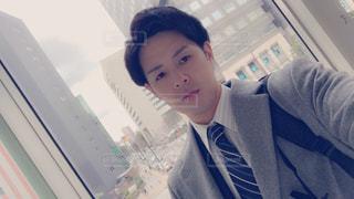 スーツを着た若い男性の写真・画像素材[3050580]