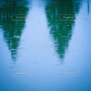 近くの水の池の写真・画像素材[820613]