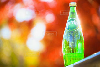 クローズ ボトルのアップの写真・画像素材[912337]