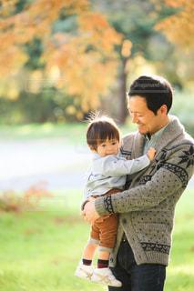 公園,紅葉,親子,子供,お父さん