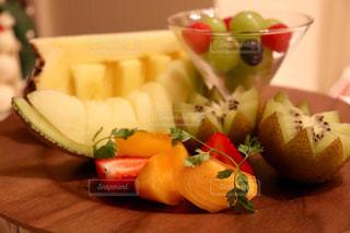 カラフル,オレンジ,いちご,フルーツ,メロン,キウイ,パイナップル,カキ,ストロベリー,ぶどう,多色