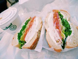 朝食にベーグルの写真・画像素材[810800]