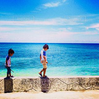 海,屋外,沖縄,人物,旅行,男の子,兄弟,離島