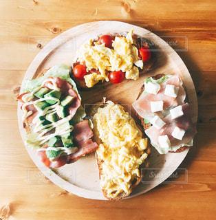 ちょっと豪華な朝食☺︎の写真・画像素材[1222939]