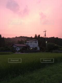 ピンク色の空の写真・画像素材[845699]