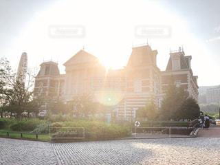 空,建物,太陽,光,日中