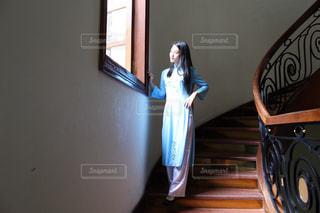アオザイを着た女性の写真・画像素材[855741]