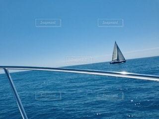 南フランスの海とヨットの写真・画像素材[3612369]