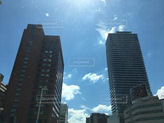都会の高い建物の写真・画像素材[2423073]