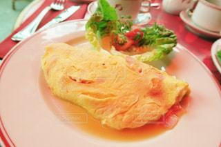 カフェ,朝食,フランス,パリ,オムレツ,卵料理,シャンゼリゼ通り,パリのカフェ,ル・フーケ,パリの朝食