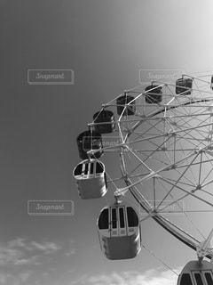観覧車と大きな空の写真・画像素材[819671]