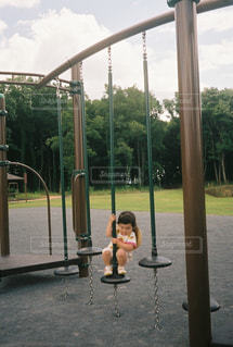 公園で遊ぶ子供の写真・画像素材[1266527]