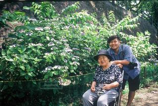 祖母とお出かけの写真・画像素材[2466318]