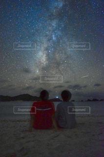 天の川を眺めての写真・画像素材[942119]