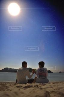 海辺で乾杯の写真・画像素材[942131]