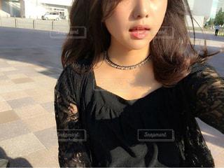 selfie を取る女性の写真・画像素材[1503565]