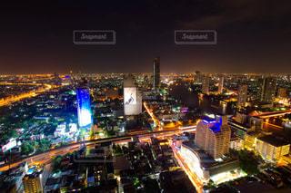 夜の街の景色の写真・画像素材[1680221]