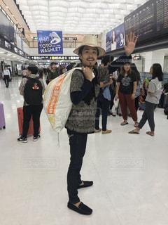 男性,20代,イケメン,海外,かっこいい,帽子,人物,人,旅行,旅,シャツ,東南アジア,海外旅行,旅人,ヒゲ,髭,ひげ,米袋