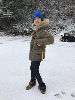雪の中に立っている人の写真・画像素材[1749905]