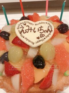 食べ物,ケーキ,かわいい,鮮やか,オレンジ,いちご,苺,デザート,フルーツ,果物,もも,果実,葡萄,誕生日,おいしい,フルーツケーキ,桃,誕生日ケーキ,食材,フレッシュ,ぶどう,巨峰
