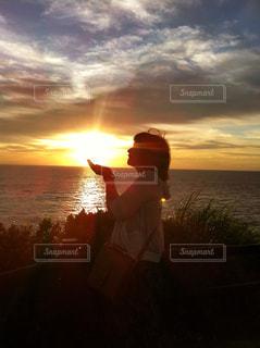 沖縄の夕日の写真・画像素材[911428]