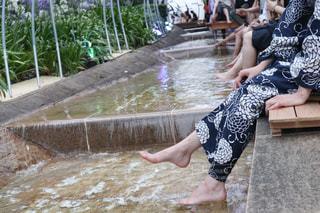水のプールにいる人の写真・画像素材[2304742]