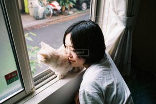 女性,家族,恋人,猫,動物,屋内,ねこ,ペット,子猫,人物,マンチカン,ネコ