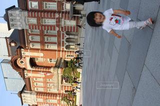 夏,東京駅,夕方,子供,女の子,人物,人,笑顔,可愛い